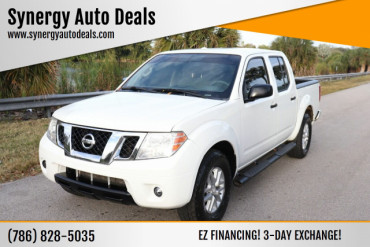 2015 Nissan Frontier SV 4x2 4dr Crew Cab 5 ft. SB Pickup 5A Pickup Truck - 703246 - Image 1