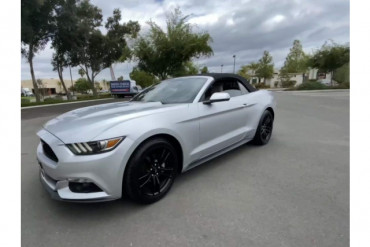2017 Ford Mustang EcoBoost Premium 2dr Convertible Convertible - 218218 - Image 1