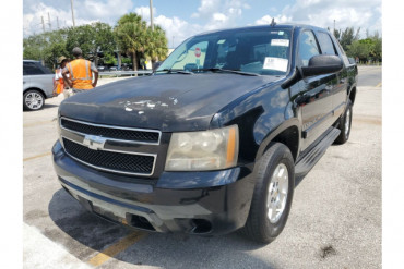 2009 Chevrolet Avalanche LS 4x2 Crew Cab 4dr Pickup Truck - 202787 - Image 1