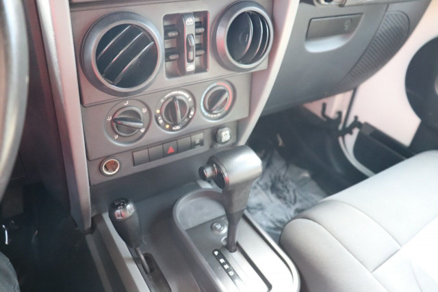 2008 Jeep Wrangler Unlimited - Image 24